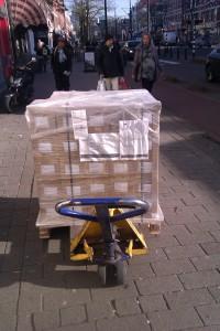pallet-boeken-op-straat