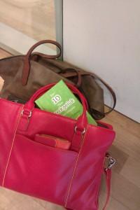 rode tas met boekje
